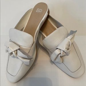 BP (New) White Leather Maddy Bow Mule/Slides 8.5